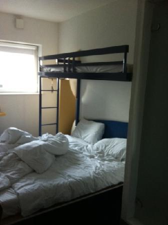 Hotel ibis budget Sheffield Arena: bedroom