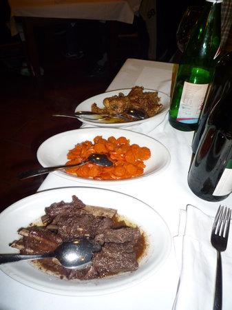 Roddino, Italie : et les viandes