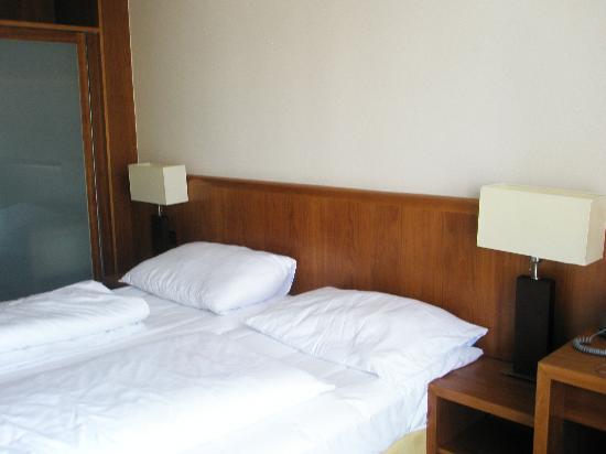Pakat City Hotel: Room