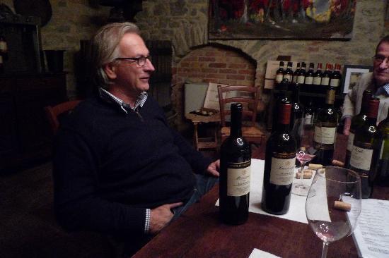 Serralunga d'Alba, Itália: Paolo Manzone nous fait déguster sa production