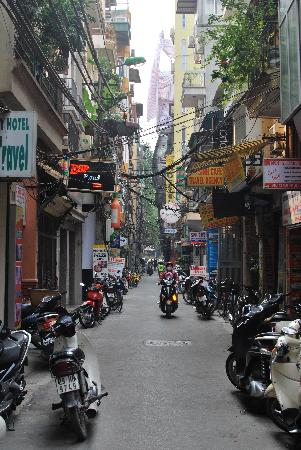 Hanoi Lucky II Hotel: located down this small/lively street