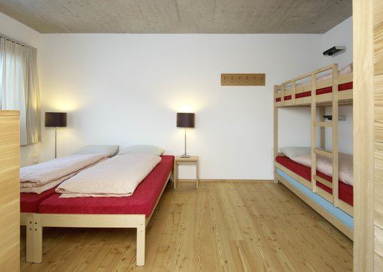 Scuol Youth Hostel : Familienzimmer