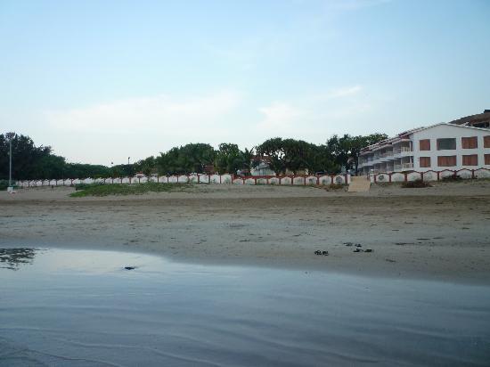 Sugati Beach Resort: Sugati by the beach
