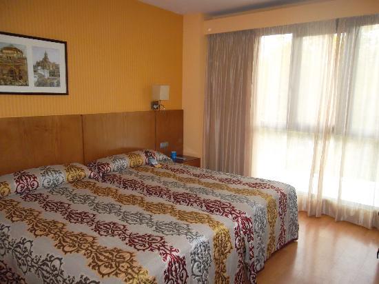 Senator Granada Spa Hotel: Habitación