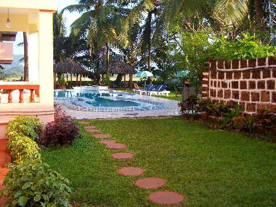 Lua Nova Hotel: access to pool