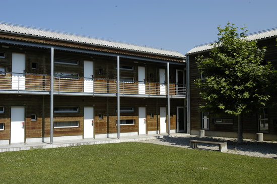 Lausanne Youth Hostel: Garten