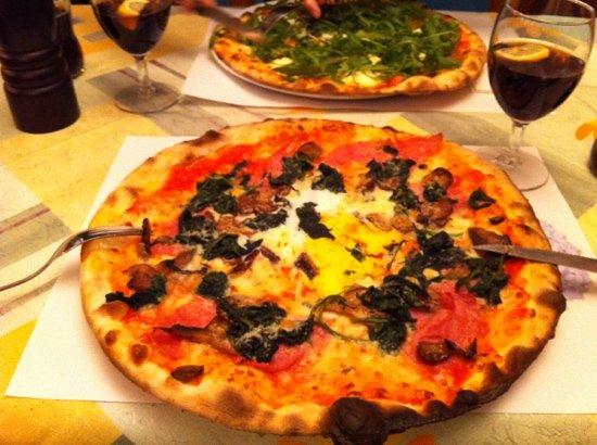 Pizzeria E Gelateria Primavera : pizza Primavera