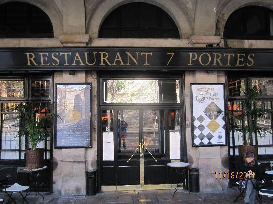 Front door picture of 7 portes barcelona tripadvisor for 7 portes barcelona menu