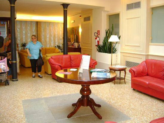 Hotel Bella Venezia: Lobby