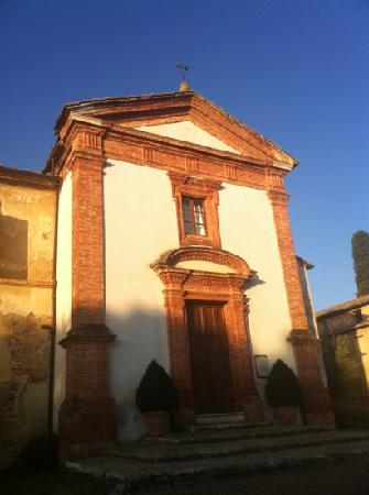 Locanda dell'Amorosa: this is the chapel