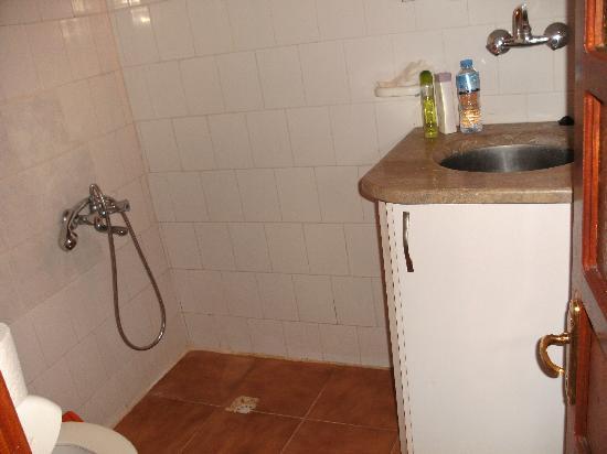Villa Ozalp: De badkamer