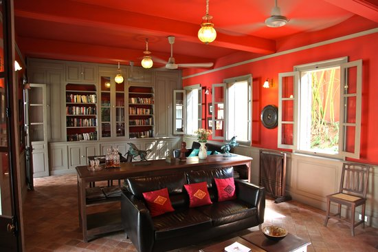 Satri House : The Library