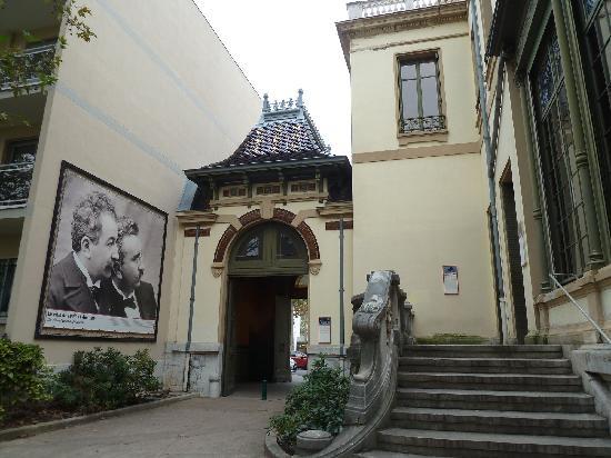 Institut & Musee Lumiere: die Brüder Lumière sind allgegenwärtig