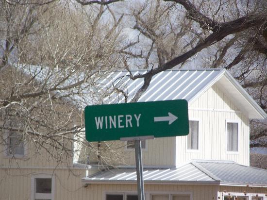 Sonoita Vineyards: To the Winery