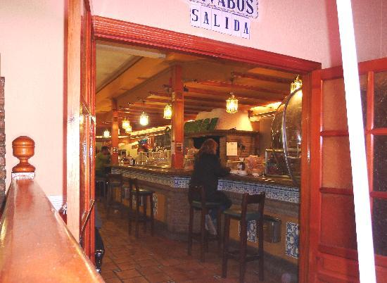Hotel Los Arcos: Bar area from restaurant