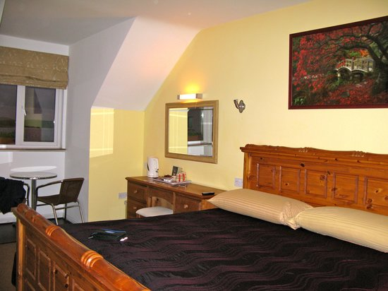 Sea-Breeze Lodge: Big spacious rooms