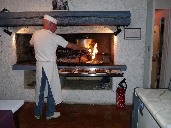 Cathar Hotel Restaurant: the steaks being finished prior to serving