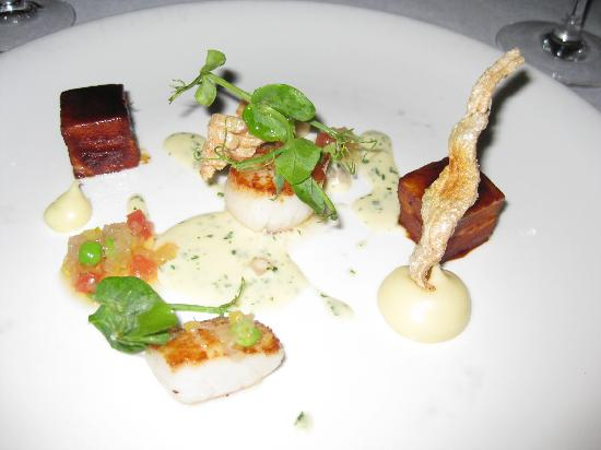 La Colombe: Scallops & confit pork belly, smoked parsnip puree, black forest ham veloute, crisp pork crackli