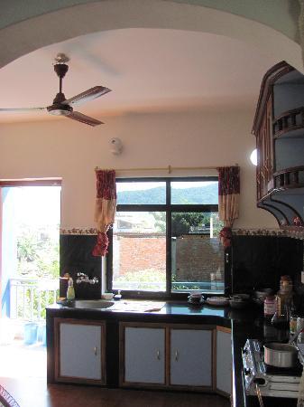 Pokhara Star Inn: Kitchen