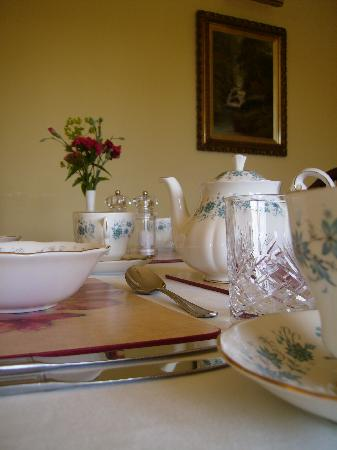 Highfield Bed and Breakfast: Dining room