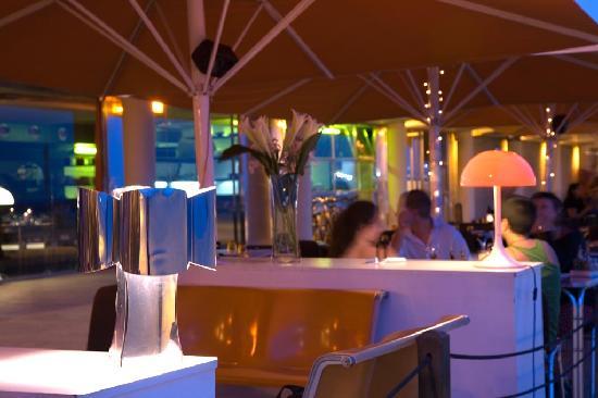 Sal Cafe : DE NOCHE