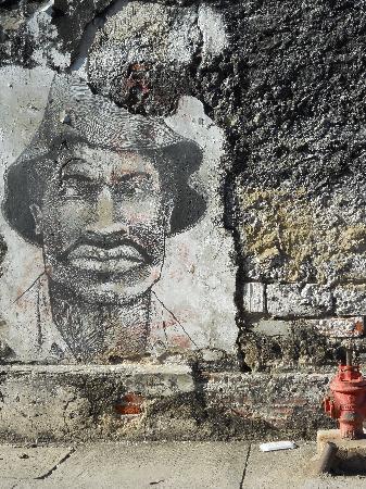 Walled City of Cartagena: Cartagena, ciudad amurallada, dibujo en una pared