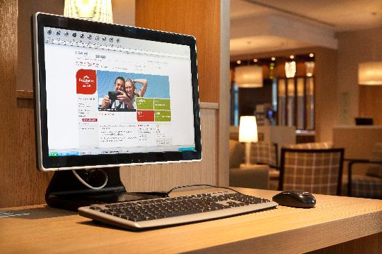 Residence Inn by Marriott Edinburgh: Complimentary Business Centre