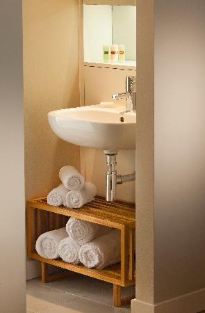 Residence Inn by Marriott Edinburgh: En-suite Bathroom