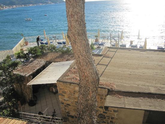 Hotel Arc en Ciel : Blick von der Terrasse