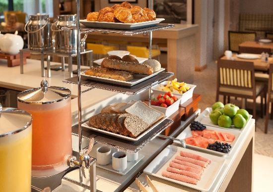 Residence Inn by Marriott Edinburgh: Breakfast Buffet