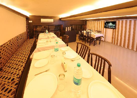 HOTEL AKAAL RESIDENCY: The dinning Hall