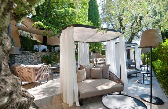 terrasse lounge la bastide saint antoine picture of la bastide saint antoine jacques chibois. Black Bedroom Furniture Sets. Home Design Ideas