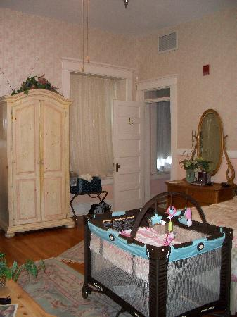 The Mansion at Elfindale Bed & Breakfast: Veranda Suite