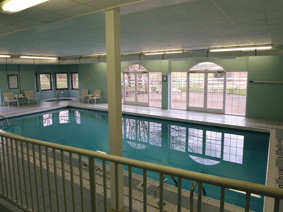 The Inn at Amish Door: The pool