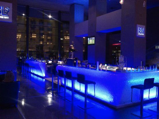 Radisson Blu Hotel Bucharest: Nice Bar