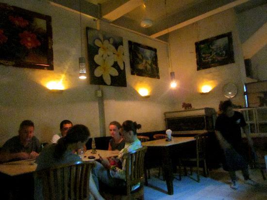 Warung Murah: Love the lighting and artsy paintings