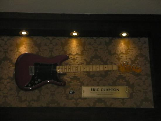 Hard Rock Cafe London: 1st guitar