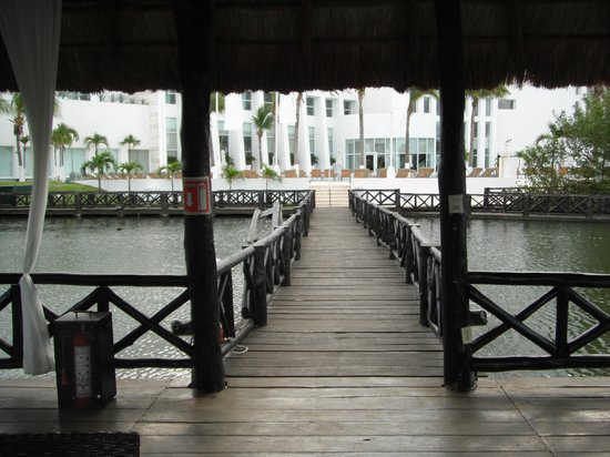 Le Blanc Spa Resort: Lagoon Pier