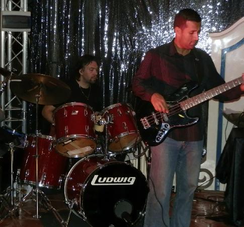 Le Chap'Val : Batteur et bassiste