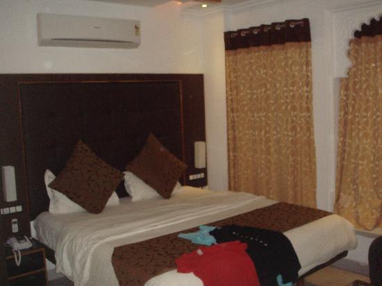 Hotel Mandiram Palace: Suite bedroom