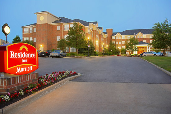 Residence Inn Cleveland Beachwood: Beautiful Entrance to Residence Inn Beachwood