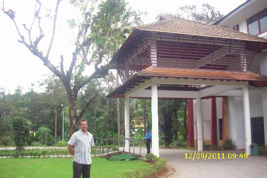Vythiri Village Resort: The Main building
