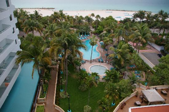 Hotel Riu Plaza Miami Beach: View from our balcony
