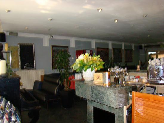 Slina Hotel: reception