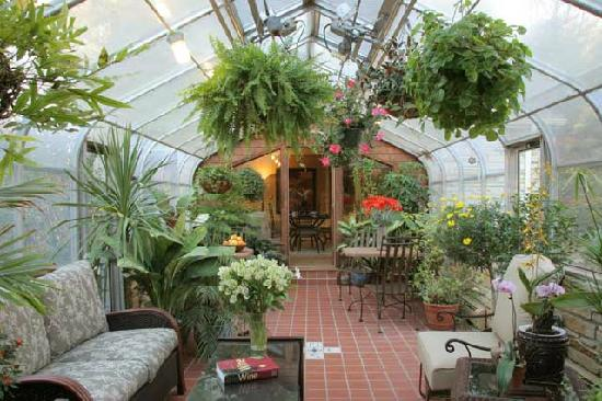 Cold Spring Inn : Greenhouse for Breakfast and Wine and cheese in the afteroon
