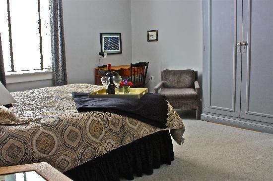 Nestle Inn Bed and Breakfast: Room 4