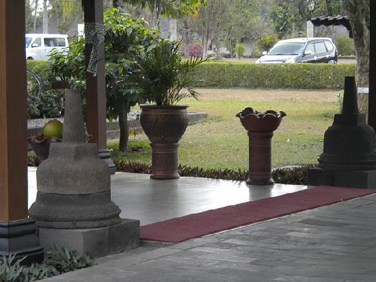 โรงแรมมาโนฮารา: Front Lobby