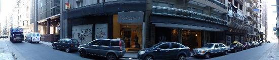 Monarca Hoteles: Hotel street