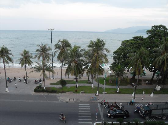Yasaka Saigon Nha Trang Hotel: Utsikt från hotellet.