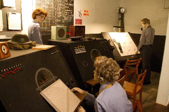 RAF Air Defence Radar Museum: Mockup of WW II Ground Control Intercept cabin